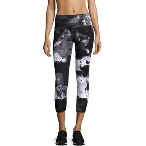Alo Yoga Airbrush Cropped Leggings size medium